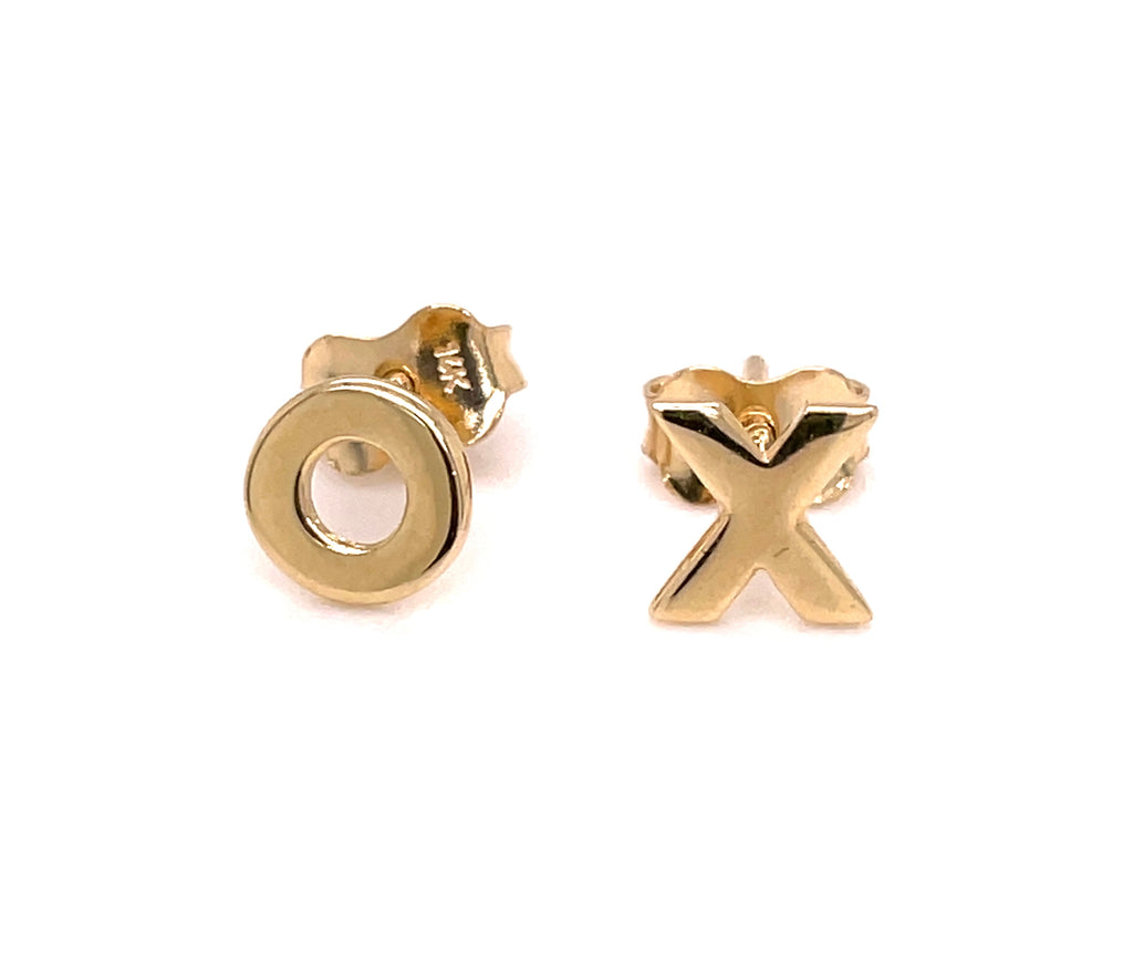 14k yellow gold.  Italian made.  Secure friction back.  XO style   7.00 mm
