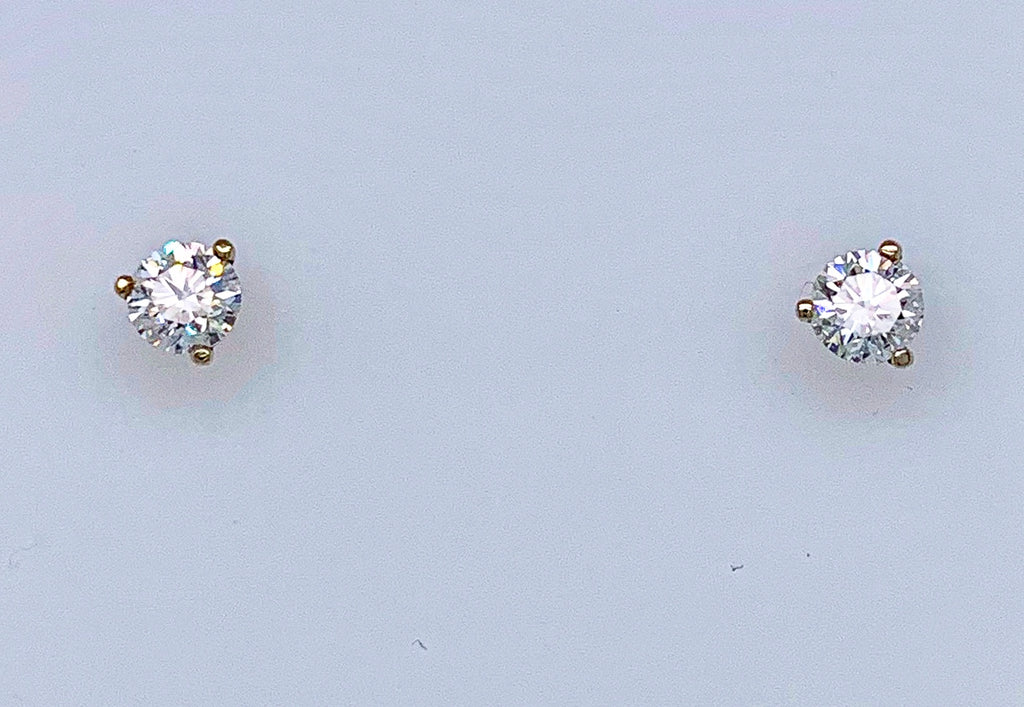 Beautiful diamond studs   14k white gold martini setting  0.52 cts  VVS1 good clarity