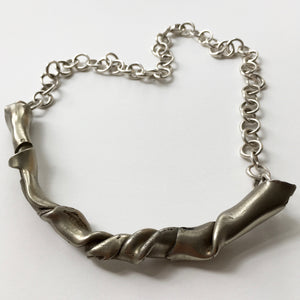 Bar Twist Necklace