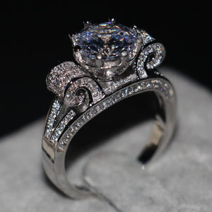 The Queens Chair Ring