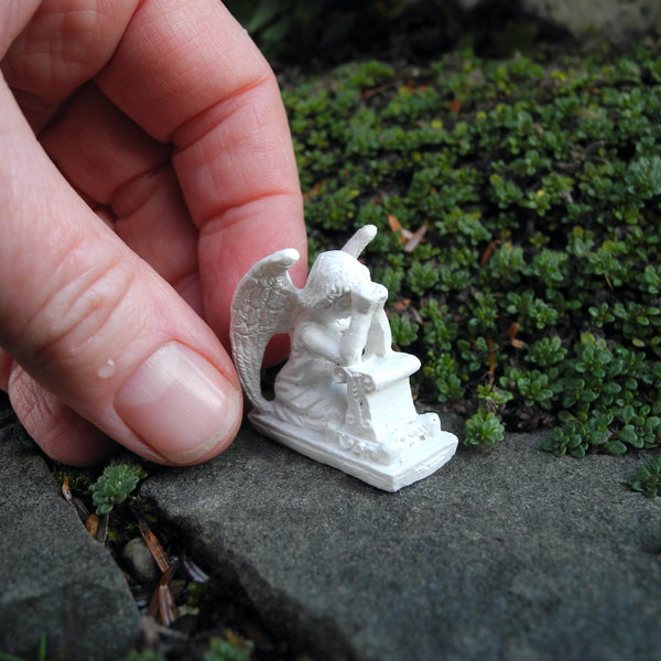 Praying Angel, Faux Marble, Staked