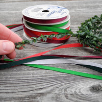 Miniature Decorations: Ribbon & Holly Set of 6, Medium