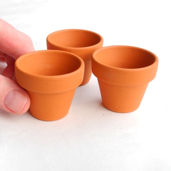 Terra Cotta Pots Set of 3, Medium-Large