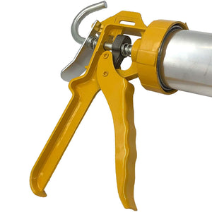 "SAUSAGE CAULK GUN KIT- 20 oz/600ml - Manual Drive - 18:1 Thrust - Metal Body - 16"" Aluminum Tube - Easy responsive grip"
