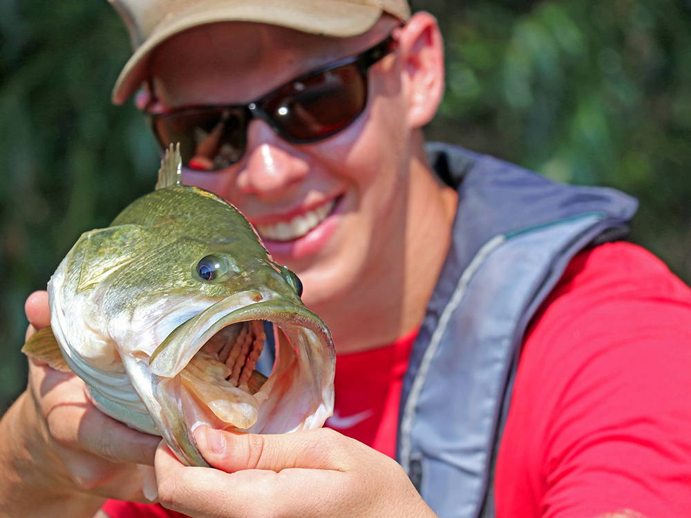 PECAN BAYOU: Fishing From The Endurance Board