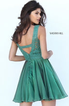 Style 50517 Size 8