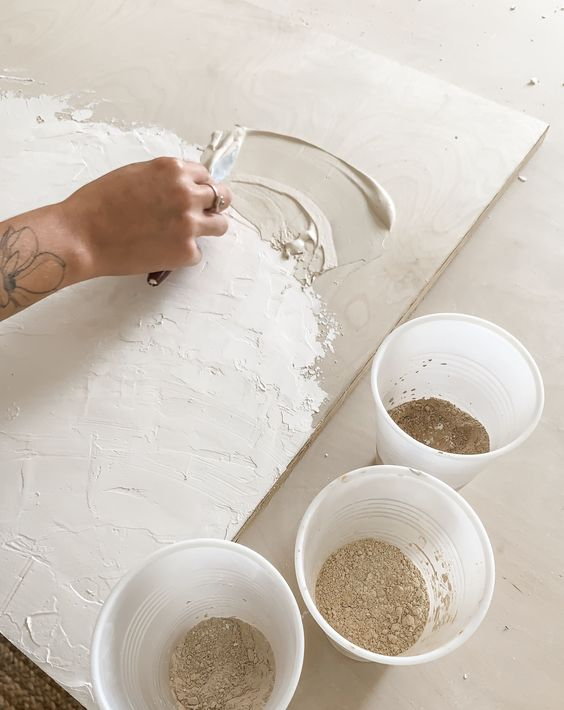 Texture Tantrum: Hopping on the DIY Plaster Wall Art Trend