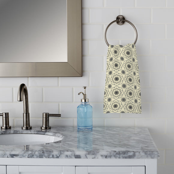 Circle Tendrillars Hand Towel