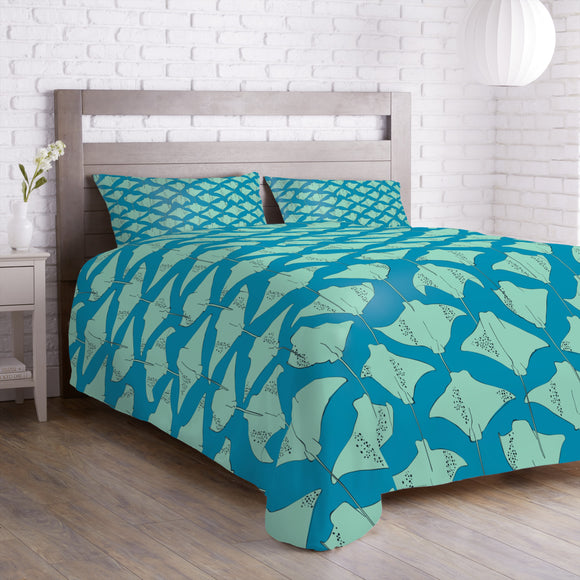 Stingrays In The Ocean Duvet