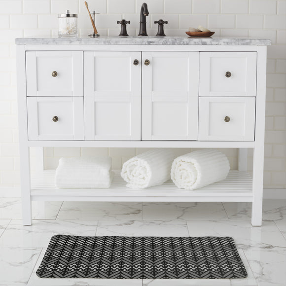 Latticed Bordures Bathroom Rug