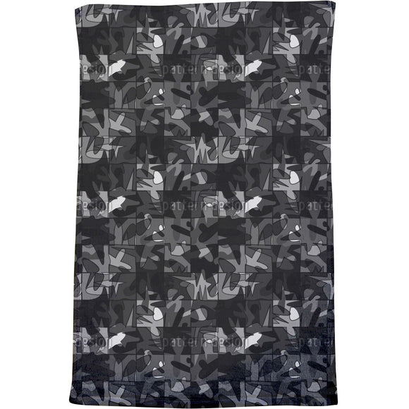 Scurrying Figures Bath Towel