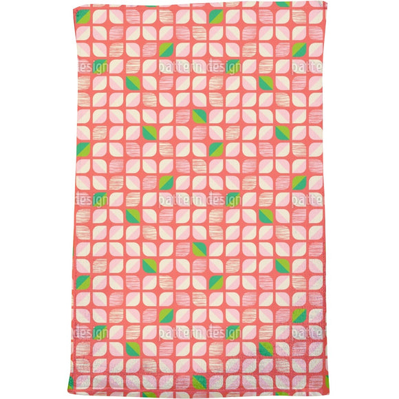 Abstract Retro-Flowers Bath Towel