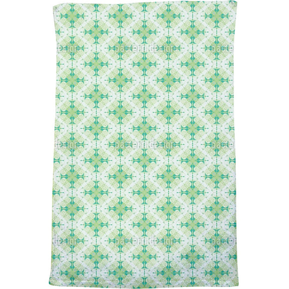Swirled Ornaments Bath Towel