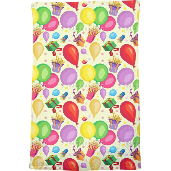 Gifts and balloons Bath Towel