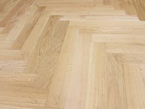 FRENCH OAK: Herringbone