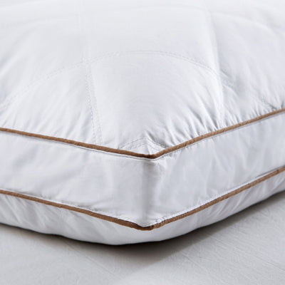 PUREDOWN Premium Goose Down Feather Pillows for Sleeping, 100% Cotton Cover, Vacuum Packed, Set of 2