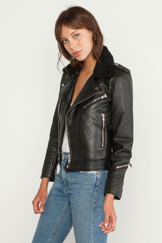Deadwood leather jacket_ Fashion blog