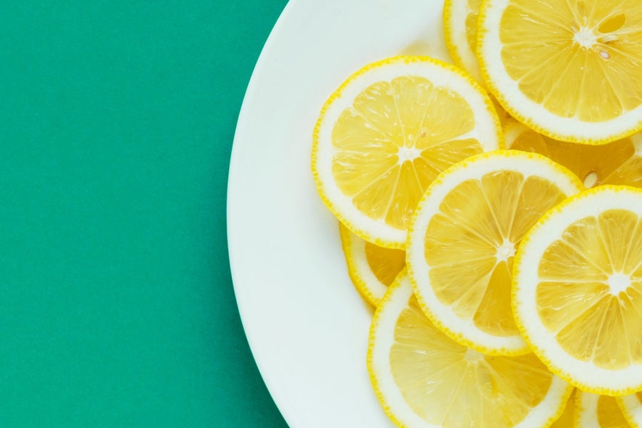 Should I Be Drinking Lemon Water?