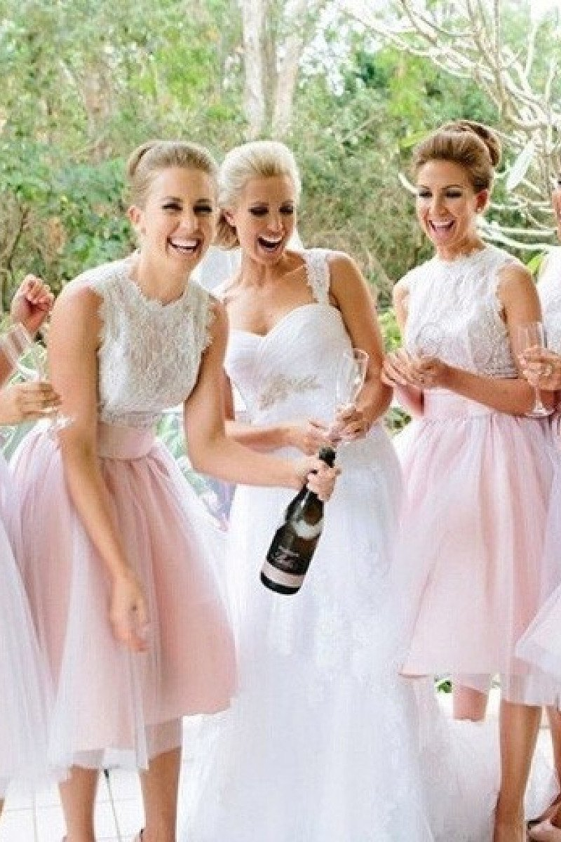 Snazzy Sleeveless Scalloped Neck Natural Knee-length Bridesmaid Dresses