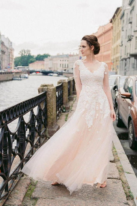 A-line/Princess Long Sleeves V-Neck Lace Beaded Tulle Wedding Dresses