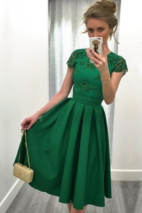 Green Classic A-line Natural Satin Scoop Prom Dresses