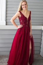 V-neck Tulle Floor-Length Sleeveless Prom Dresses with Appliques Lace