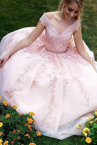 A-Line/Princess  Tulle Floor-Length Appliques Lace Prom Dresses