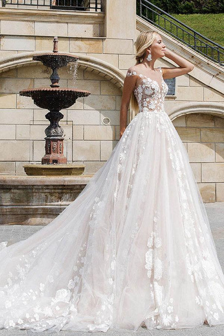 Ivory Glamorous Tulle Wedding Dresses with Lace Applique