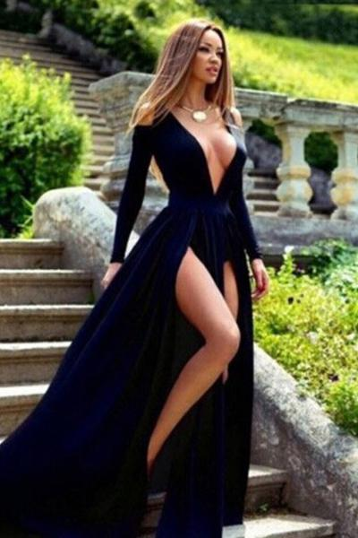 Black Fantastic Sweep/Brush Train A-line Deep V-neck Natural Evening Dresses