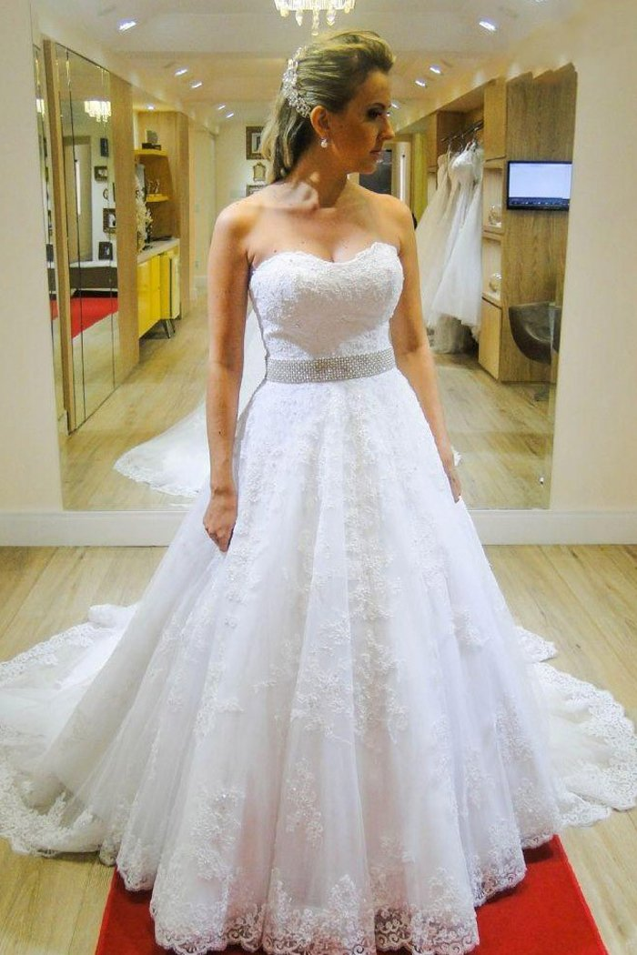 Strapless Lace Court Train Beading Wedding Dresses