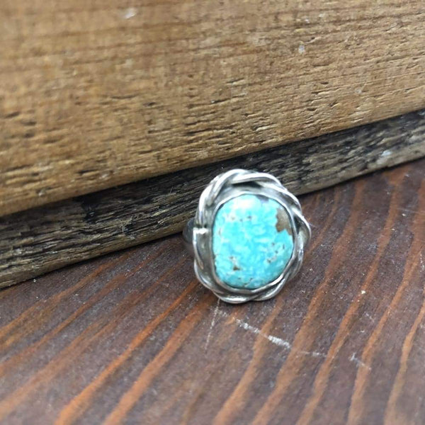 Off-round Turquoise Ring | Vintage - Vintage - Navajo Jewelry - Turquoise - Turquoise Ring - Vintage Jewelry