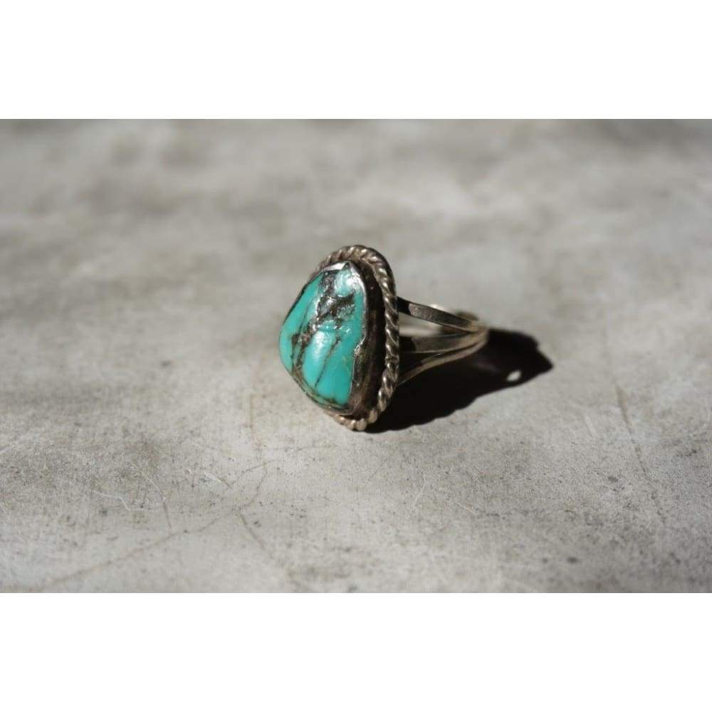 Rough Shape Turquoise Ring | Vintage - Vintage - Men's Jewelry - Native American Jewelry - Turquoise - Turquoise Ring - Vintage Jewelry