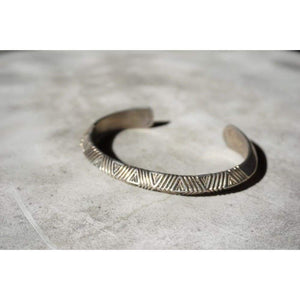 Silver Etched Cuff | Vintage - JEWELRY - Alvin Toadacheene Navajo jewelry Navajo jewelry Silver cuff