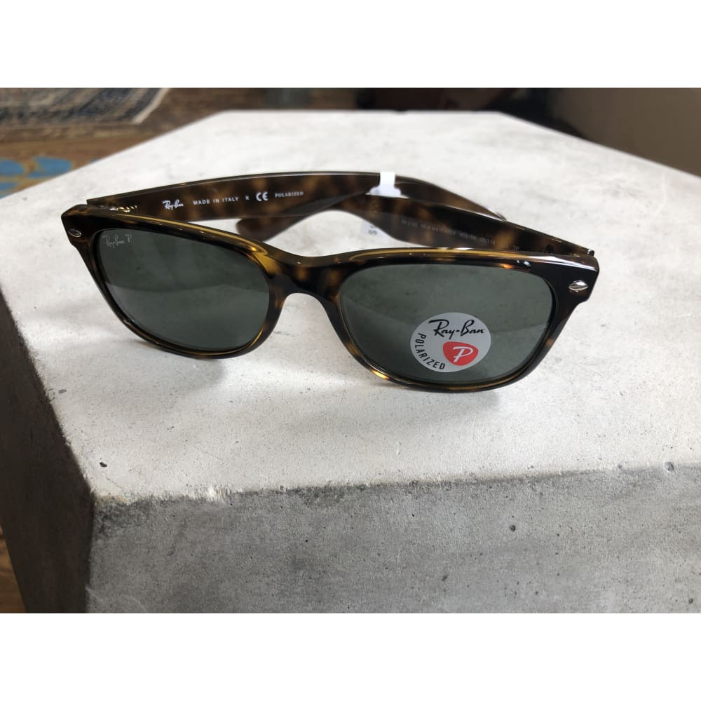 Sunglasses | New Wayfarer Tortoise w/ Crystal Green Polarized | Ray-Ban - SUNGLASSES - ACCESSORIES New Wayfarer Polarized Polarized