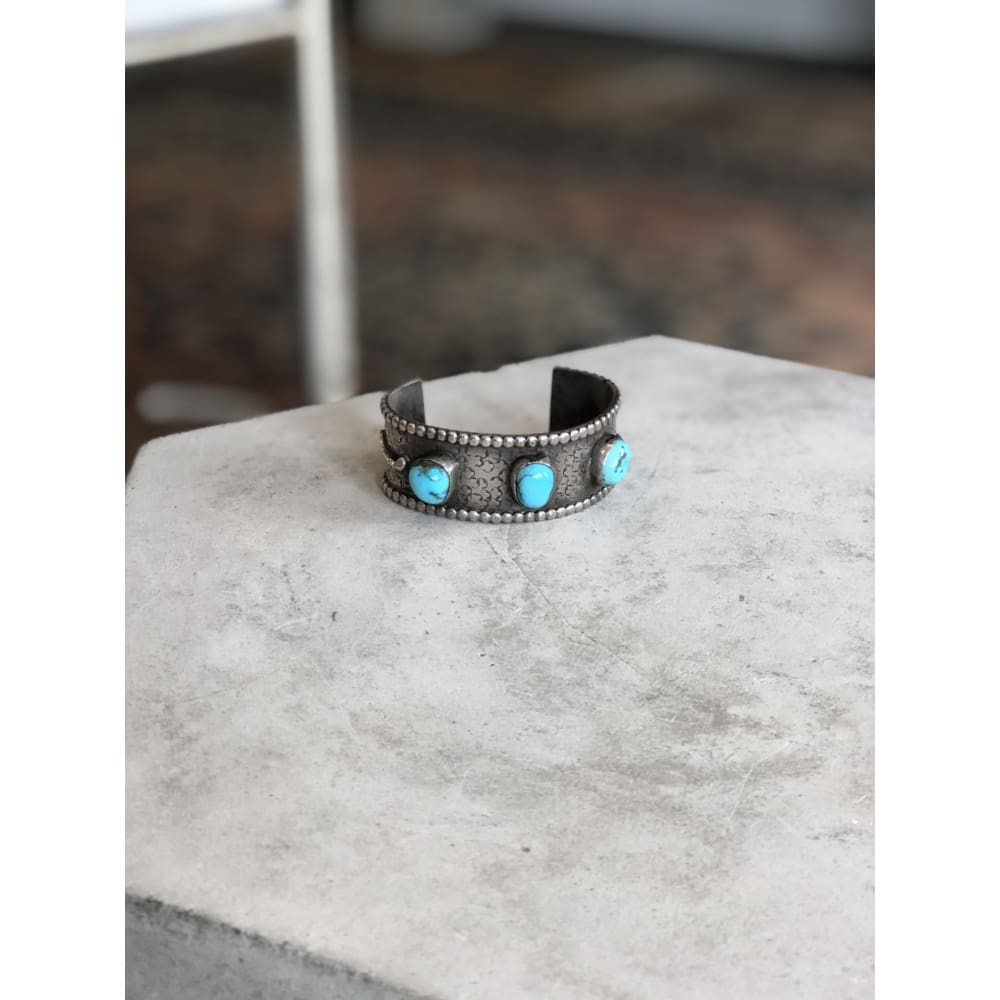Three-Stone Stamped Turquoise Cuff | Vintage - VINTAGE - Freeform Turquoise jewelry Native American Navajo jewelry Southwestern Style Cuff