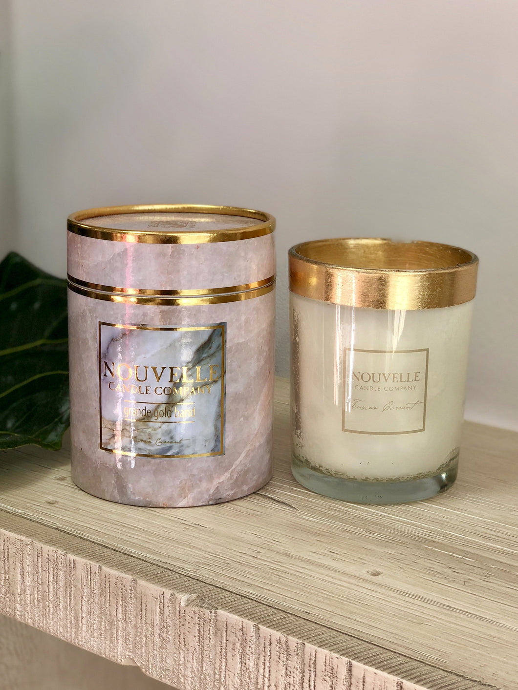 Nouvelle Candle Company - Grande Boxed Gold Band Candle