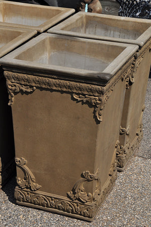 Elegance Planter - Old Roman