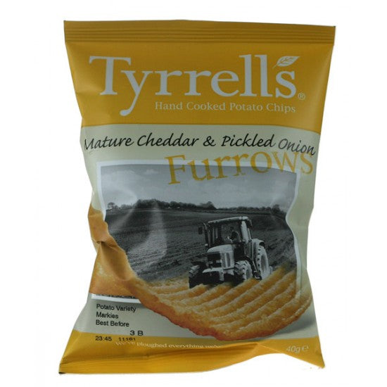 Mature Cheddar & Pickled Onion Furrowed crisps