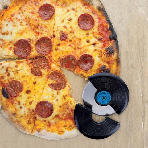 Chow down on your favourite pizza with a little help from this pizza cutter