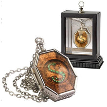 Load image into Gallery viewer, Harry Potter Horcrux Locket with Display Case