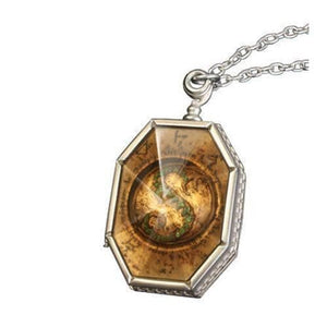 Harry Potter Horcrux Locket with Display Case