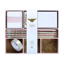 Load image into Gallery viewer, Wonder Woman Premium Stationery Set