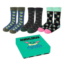 Load image into Gallery viewer, Men's The Mandalorian The Child Socks Gift Set (3 Pairs)