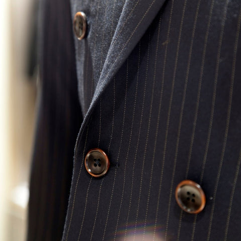 Double-breasted jacket buttons