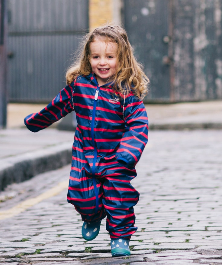 Save money on kids clothes by investing in brands like Muddy Puddles who offer high-quality, long-lasting kit that can really be worn, loved and handed down. #buymeonce #muddypuddles #kidsclothes #savemoney