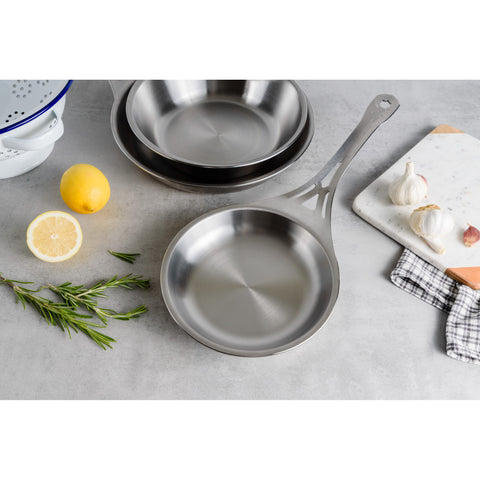 26cm Seamless Stainless Steel Frying Pan