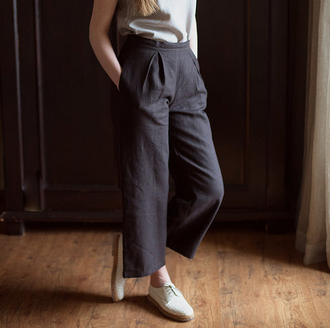 Linen Pleated Tailored Trousers