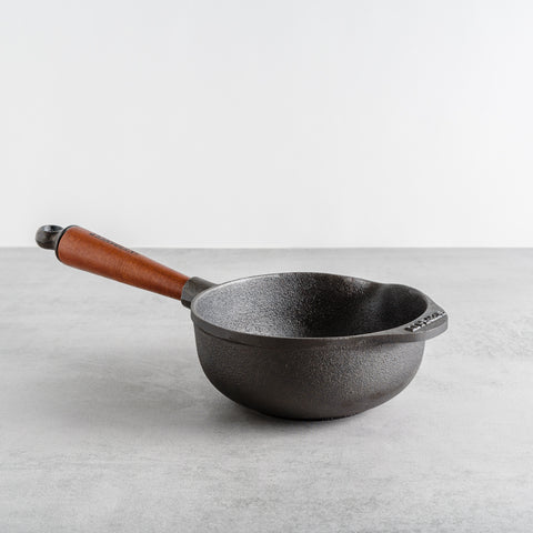 Traditional Cast Iron Saucepan, 1L