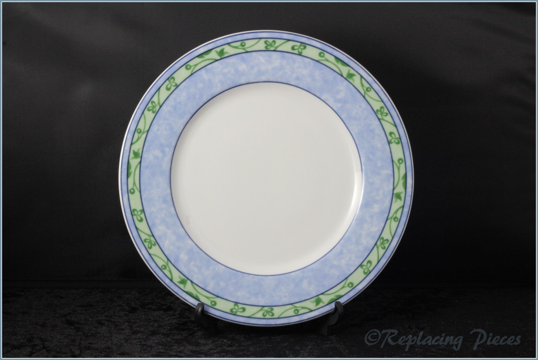 "Wedgwood - Watercolour - 8 7/8"" Luncheon Plate"