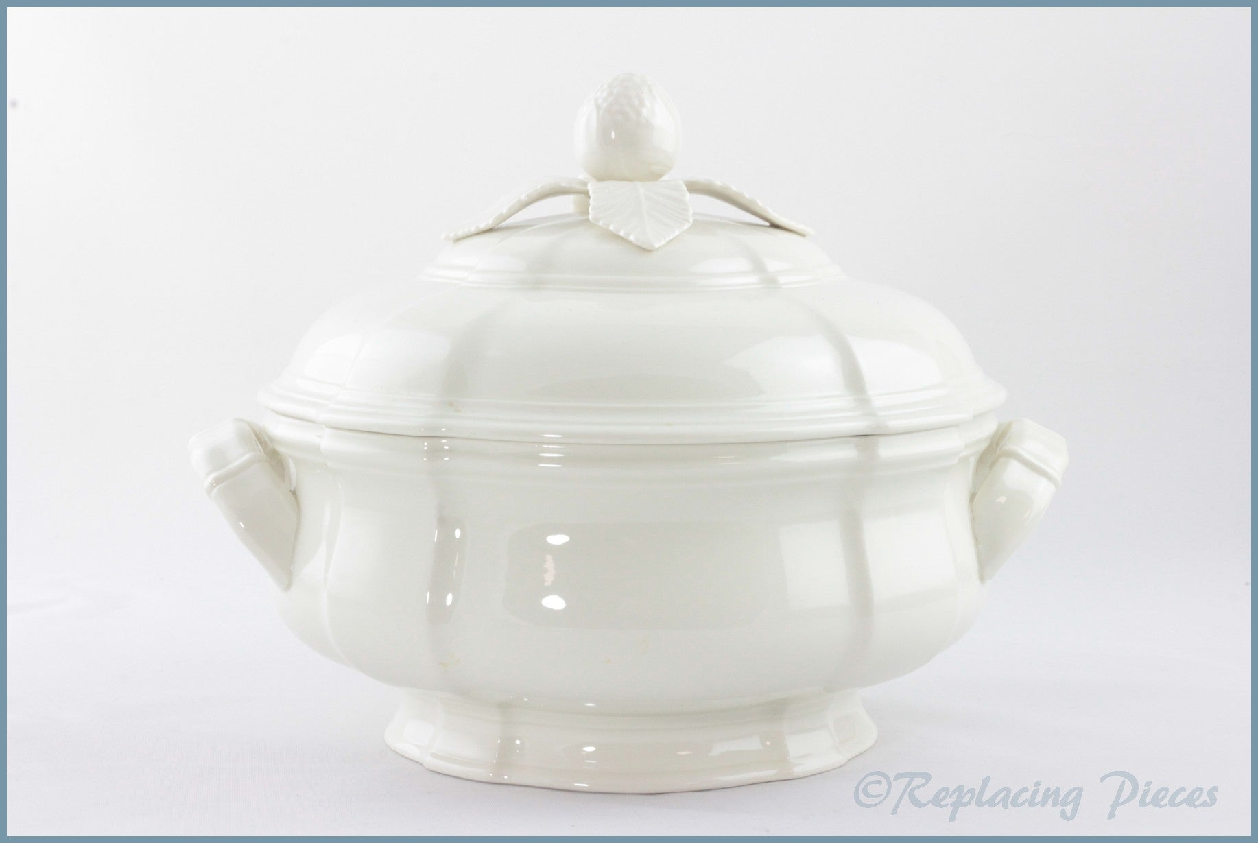 Villeroy & Boch - Manoir - Lidded Vegetable Dish